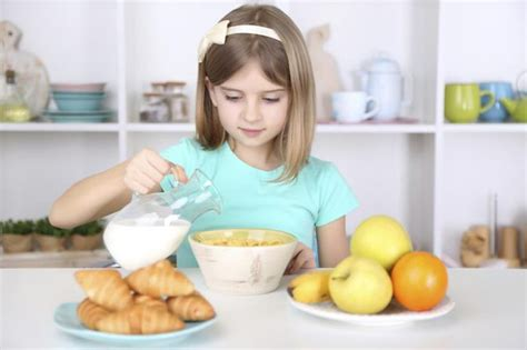 is eating breakfast really that benefits of students eating breakfast livestrong com