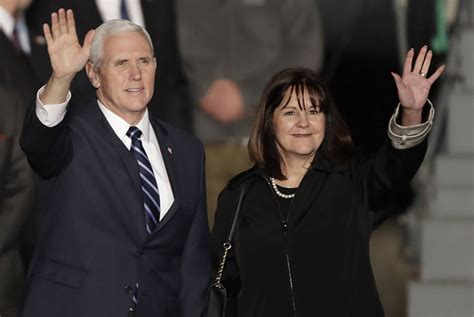 mike pence wife pence visits troops in jordan before traveling to israel
