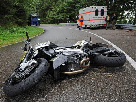 Unfall Motorrad Familie by Motorradunfall Am Schauinsland Zwei Schwerverletzte