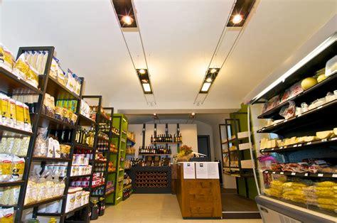 arredamento negozio alimentare terdesign progetto alimentari matera 1955 a borgosesia
