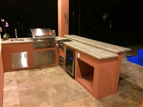 Kitchen Islands With Sinks Dcs And Lynx Sedona Outdoor Kitchens Bbq Depot