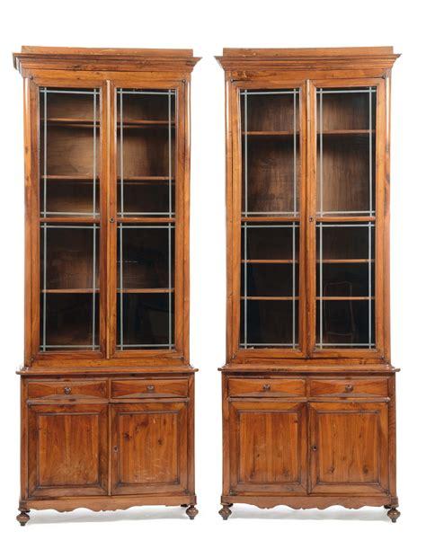foto di librerie coppia di librerie in legno a doppia anta xix secolo