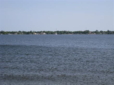 body of water file lake charles body of water jpg wikimedia commons