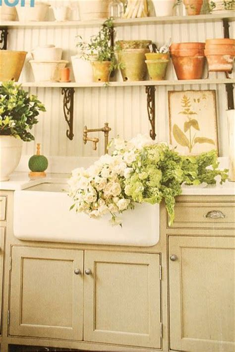 Country Cottage Kitchen Decor by Best 25 Cottage Kitchens Ideas On