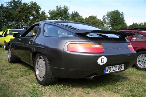Porsche 928 S4 by Porsche 928 S4 Bildersammlung Christof Rezbach
