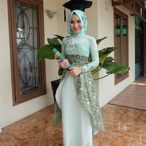 gambar baju kebaya muslim wisuda model kebaya hijab untuk wisuda fashion muslim fashion