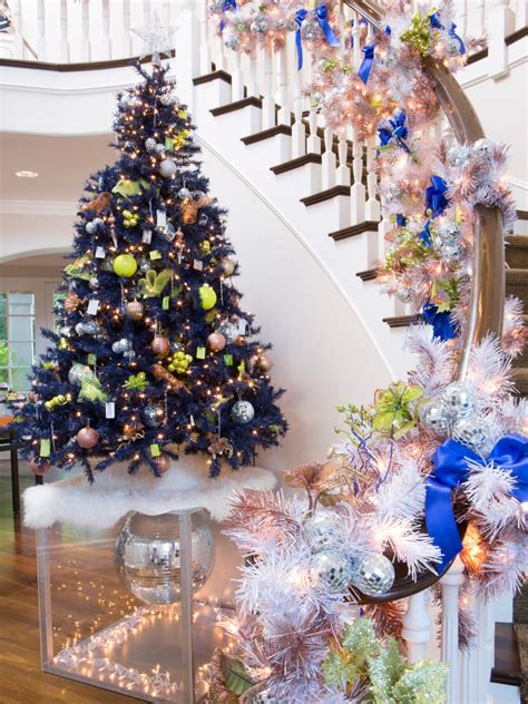 christmas decorations wilkinsons step inside kendra wilkinson s home for the holidays on tv hgtv