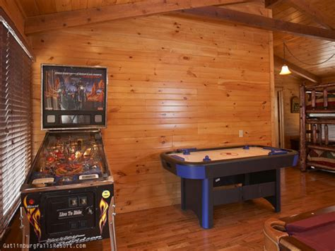 gatlinburg 2 bedroom cabins gatlinburg cabin memory maker 2 bedroom sleeps 10