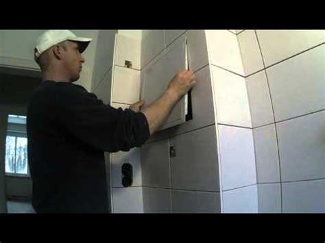 Revisionsklappe Badewanne Einbauen by Eine Revisionst 252 R Einbauen