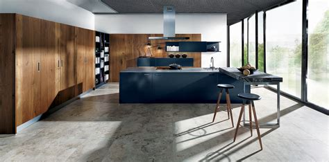 freistehende pantry matt handleless kitchens nx902 glass matt indigo blue