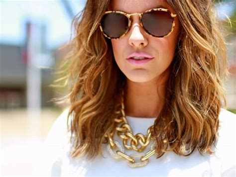 courtney kerr haircut courtney kerr s highlights seem more sunkissed than