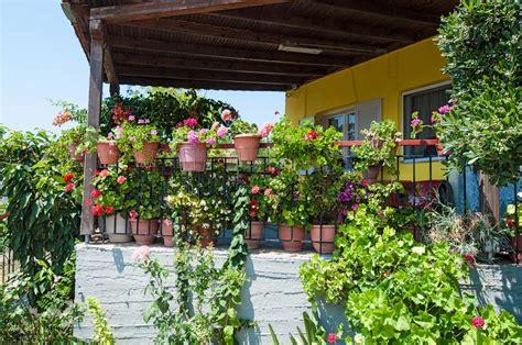 Gardening Club Ideas 16 Fresh And Creative Patio Planter Ideas Garden Club
