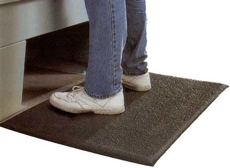 Floor Mats For Standing Periods Of Time by Anti Fatigue Floor Mats August 2013