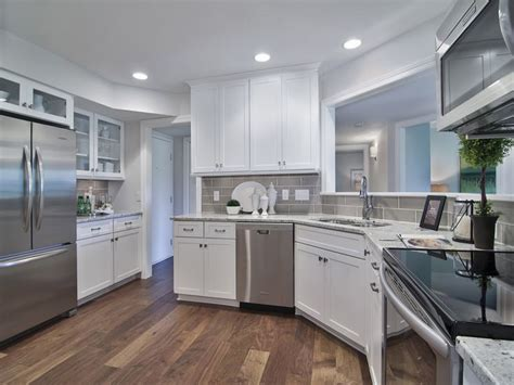 diamond kitchen cabinets wholesale 1000 images about kitchen bath on pinterest theater