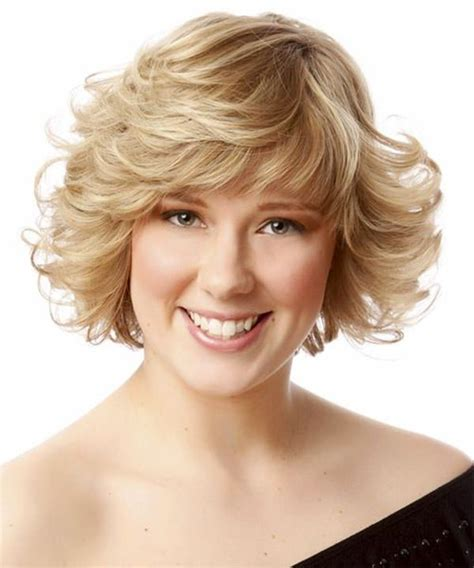 feather cut 60 s hairstyles 62 80 s hairstyles that will have you reliving your youth