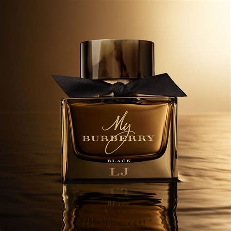 Parfum Esplanade in my burberry black caign senatus