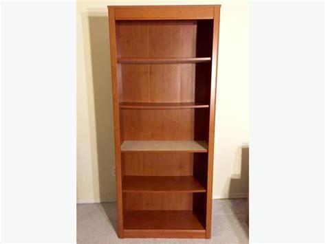 sturdy bookshelf saanich