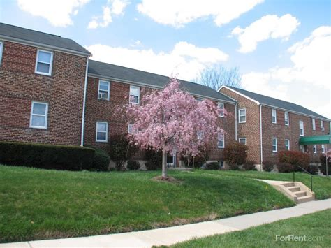 Westland Gardens Park by Westland Gardens And Townhomes Apartments Arbutus Md