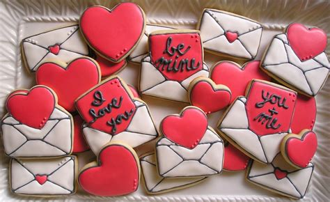 how to make valentines cookies in reality not so much not tooo bad but not as as i