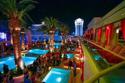 Pool House Bar by A Guide To The Hottest Parties In Sin City A Las Vegas Lifestyle Guide