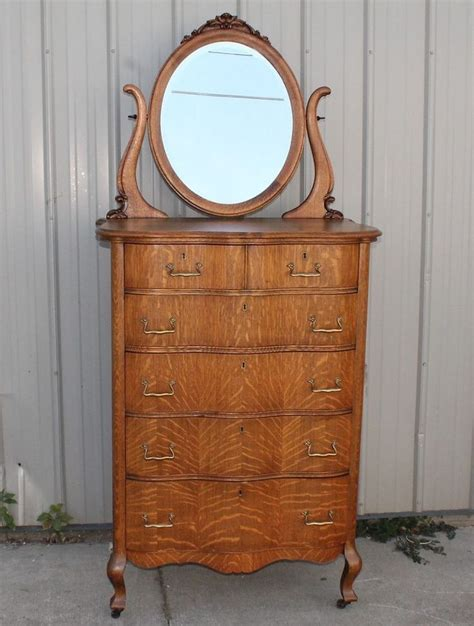 Antique Highboy Dresser With Mirror by 27 Best Antique Serpentine Front Dressers Images On