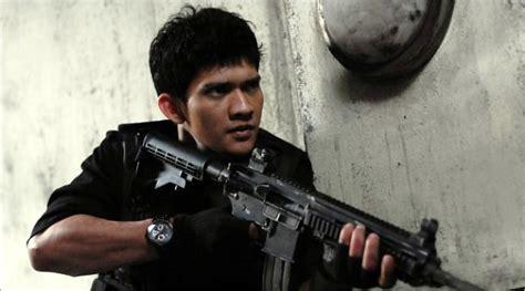 film terbaru yang dibintangi iko uwais the raid terima penghargaan dari wapres boediono kabar