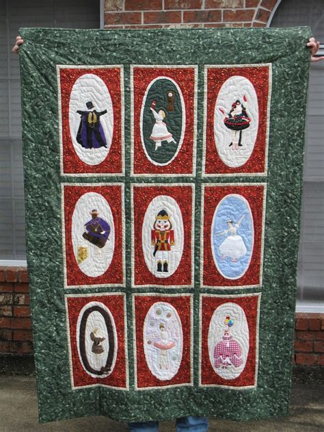 male nutcracker runner nutcracker ballet quilt i made for lynette quilts quilt nutcrackers and ballet