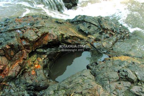 lava bantal sungai opak kotajogjacom