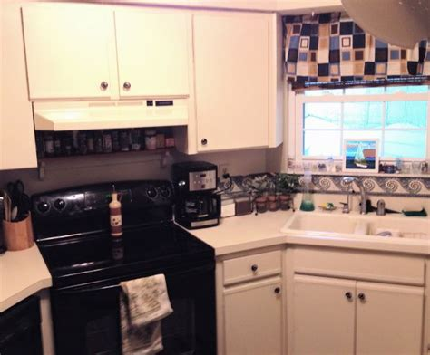 ugly kitchen cabinets 57 best images about kitchen makeover on pinterest