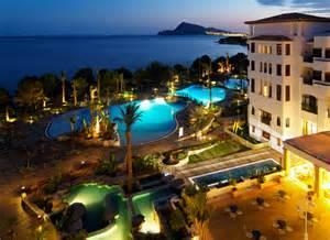 Shower Door Bathtub Hotel Sh Villa Gadea Altea Spain Hotelsearch Com