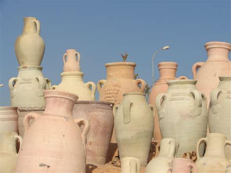 vasi tunisini i vasi di terracotta di djerba viaggi vacanze e turismo