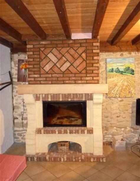 cheminee en brique hotte en brique vall 233 e d auge chemin 233 es boisaubert
