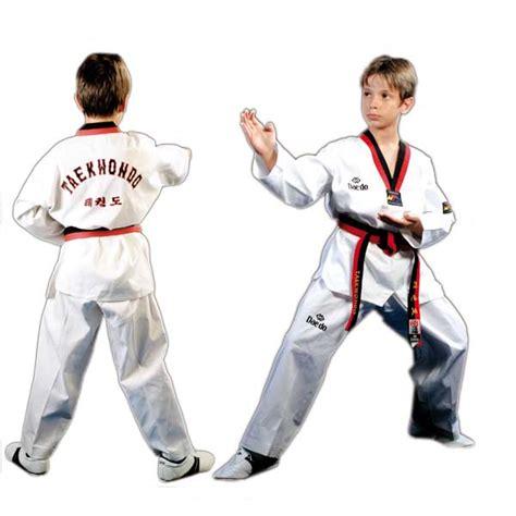 Empro Dobok Taekwondo Pemula 130 140 150 160 dobok pum modelo con cuello rojo negro