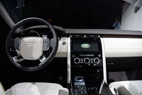 discovery land rover 2017 interior 2017 land rover discovery interior dashboard