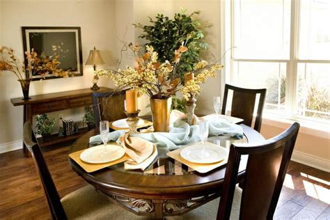 how to set a dining room table table setting important