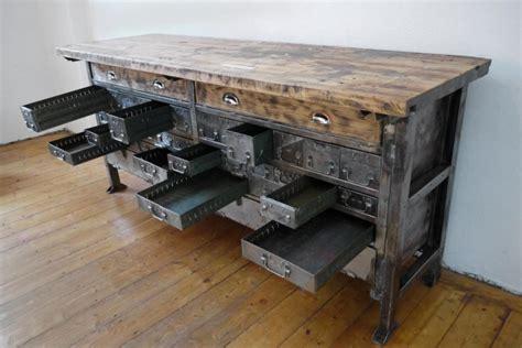 werkbank holz alt werkbank industriedesign schubladenschrank holz metall alt