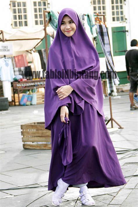 Bintang Syar I by Anggunnya Zaskia Adya Mecca Kenakan Syar I
