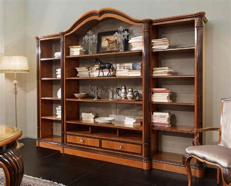 librerie in ciliegio libreria con mensole larghe in ciliegio intagliato