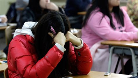 why does japan have such a high suicide rate bbc news korean teen reveals why highschoolers have such high