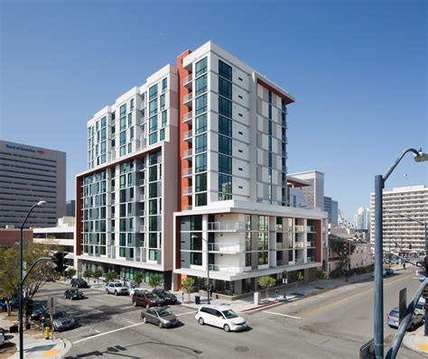 Apartments 800 San Diego Living In Downtown San Diego With A Balcony For 525 A