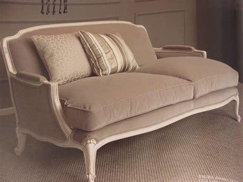 divani classici in stile divano 2 posti classico finitura laccata per salotti