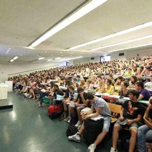 permesso di soggiorno studenti legittimo negare il permesso di soggiorno allo studente