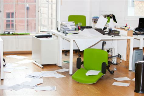 clear office desk 10 tips to keep your desk clean work productive boston