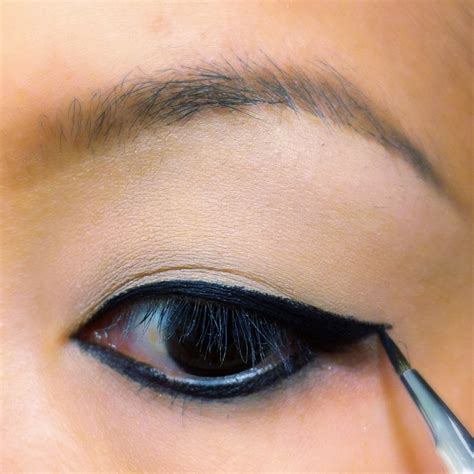 Eye Liner style by cat tinting eyeliner