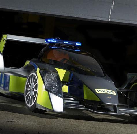 Schnellstes Polizeiauto Der Welt by Top Ten Das Sind Die Schnellsten Polizeiautos Der Welt