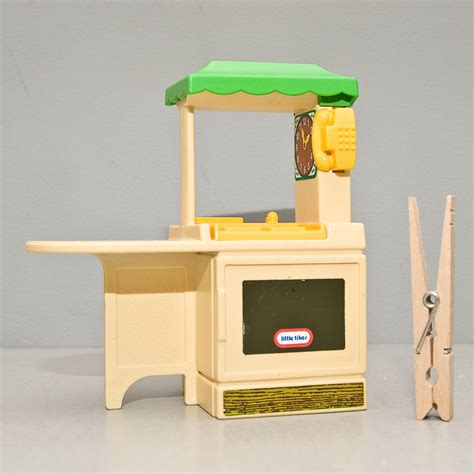 having fun with the little tikes kitchen set decor trends