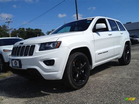 white jeep grand cherokee custom 2015 bright white jeep grand cherokee altitude 4x4