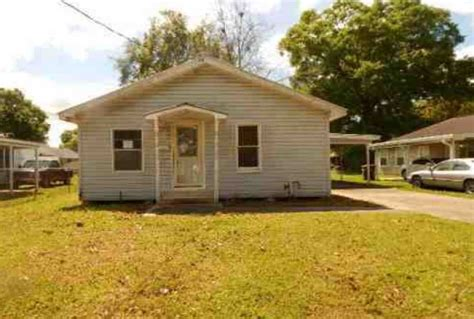 houses for sale in lake charles la 1020 orange st lake charles la 70601 foreclosed home information foreclosure homes