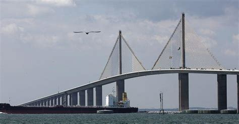 boat rs near skyway bridge florida matters sunshine skyway bridge disaster 35 years