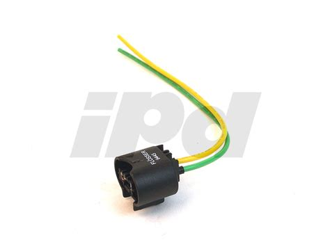 volvo headlamp socket electrical connector  hb headlamp bulb flosser